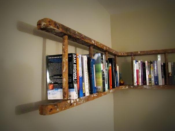 Merdivenden kütüphane